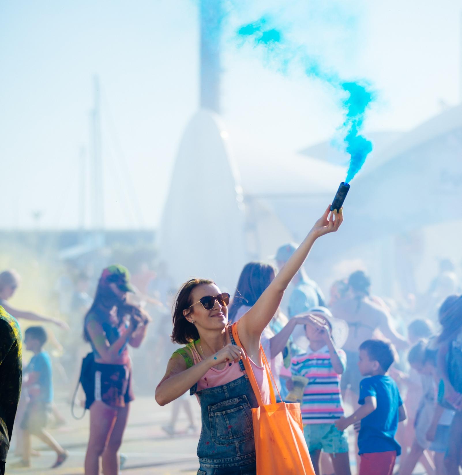 18 августа в гостиничном комплексе «Имеретинский» для всех гостей и жителей сочи состоится фестиваль красок Холи